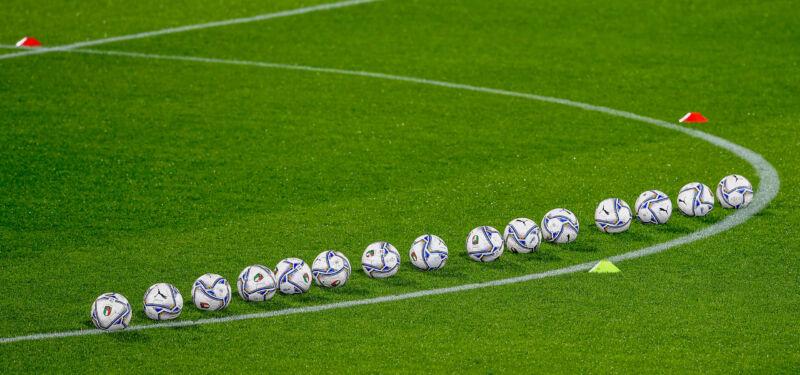 Старт отбора ЧМ-2022. Что ждет прибалтийские сборные в марте?